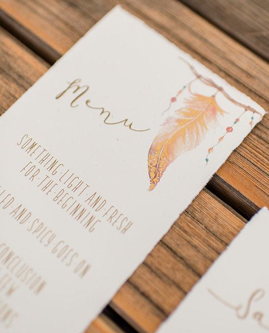 bohamian herzanherz herz Hochzeitspapeterie Wedding Hochzeit Gesamtkonzept Einladung Büttenpapier Schilder boho aquarelle Menükarte