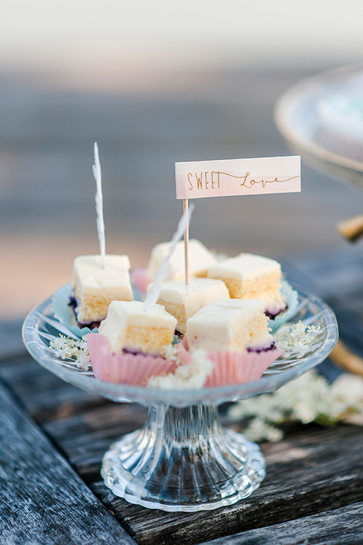 bohamian herzanherz herz Hochzeitspapeterie Wedding Hochzeit Gesamtkonzept Einladung Büttenpapier Schilder boho aquarelle sweets sweettable