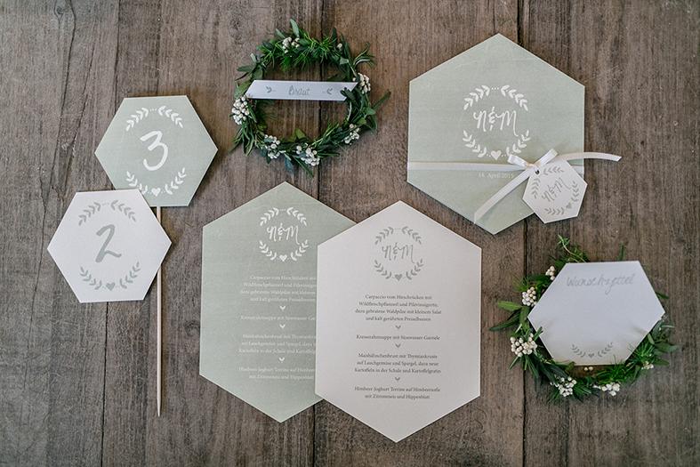Hochzeitspapeterie 6-eckig geometric grün