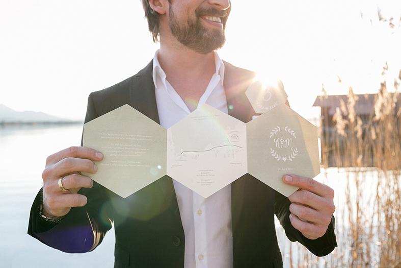 Hochzeitspapeterie 6-eckig geometric grün Einladung