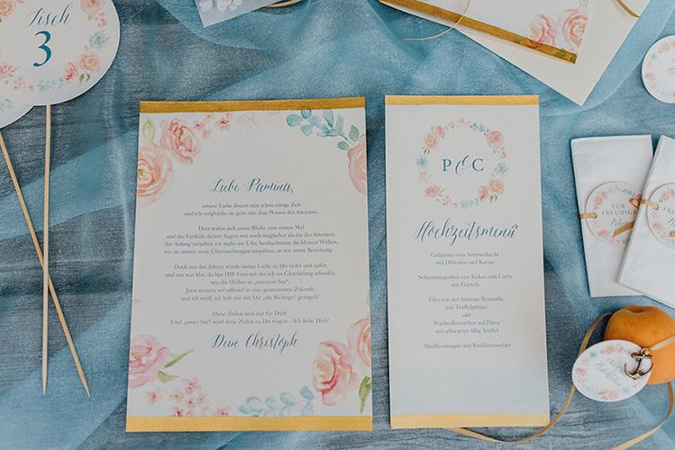 herzanherz herz Save-the-Date aquarelle handgezeichnet Blumendesign gold wedding papeterie Hochzeit Menükarte Brief