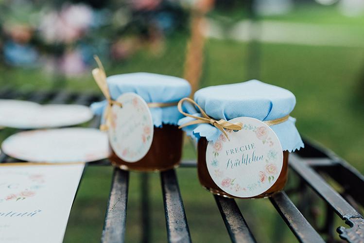herzanherz herz Save-the-Date aquarelle handgezeichnet Blumendesign gold wedding papeterie Hochzeit Gastgeschenk Anhänger individuell