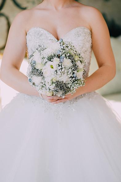 herzanherz herz Hochzeit Leopoldskron Papeterie Büttenpapier grau wedding edel Brautstrauß