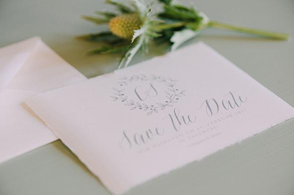 herzanherz herz Hochzeit Leopoldskron Papeterie Büttenpapier grau wedding edel save-the-date